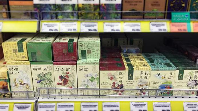 """Чай """"Бирюзовое озеро"""" на полках магазинов."""